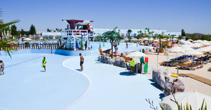 Warner Beach Madrid